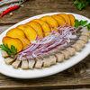 Фото к позиции меню Селедка с картофелем и луком