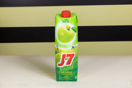 Сок J7 яблоко большой
