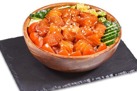 Поке с лососем Севиче