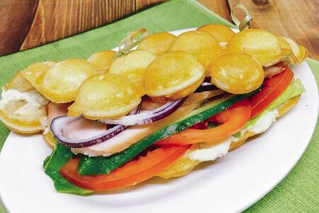 Вафля Сэндвич с копченой курицей
