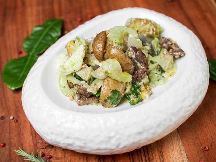 Кантри-салат с говядиной на гриле