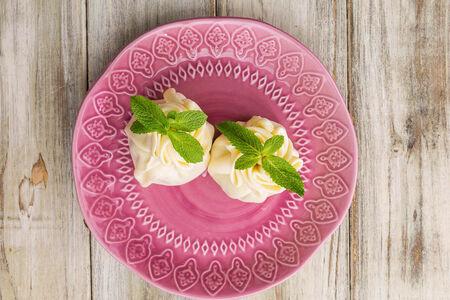 Хинкали из сулугуни со сливочным сыром и мятой