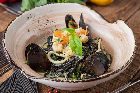 Нери с морепродуктами
