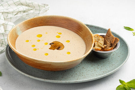 Крем-суп из шампиньонов и белых грибов