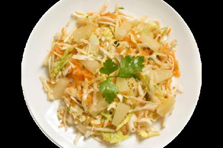 Салат из капусты с ананасом