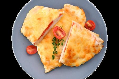 Филе куриное, запеченное с помидорми под сырной корочкой