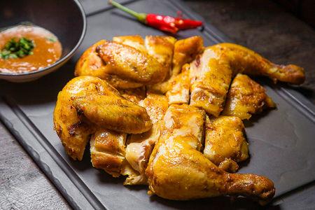 Цыпленок с желтыми специями