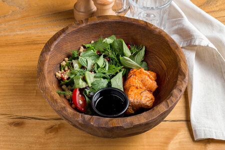 Салат Чеми с филе лосося
