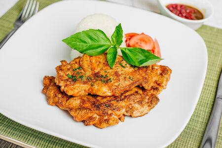 Филе курицы на гриле в клюквенном соусе