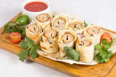 Люля-кебаб с сыром со свининой и телятиной