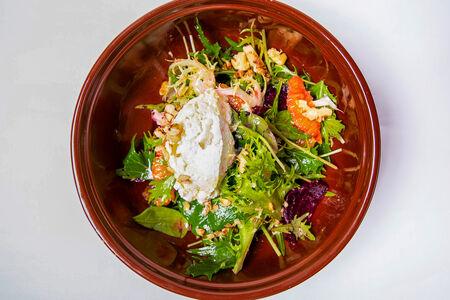 Салат со свеклой, апельсином и сыром рикотта