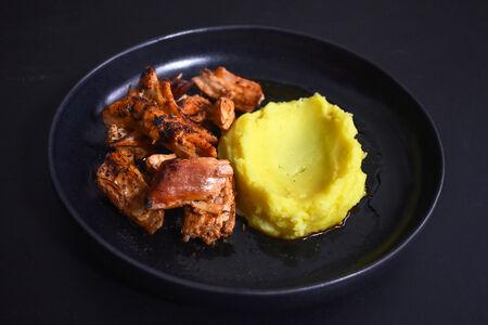 Томленая постная свинина с картофельным пюре