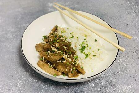 Свинина стир-фрай с рисом