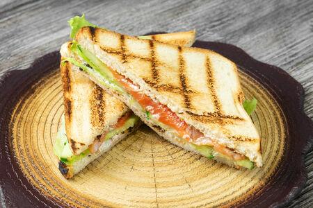 Сэндвич с форелью