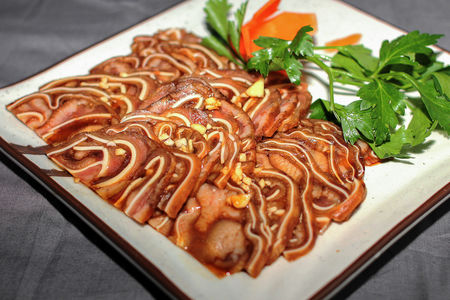Свиные ушки в специальном китайском соусе