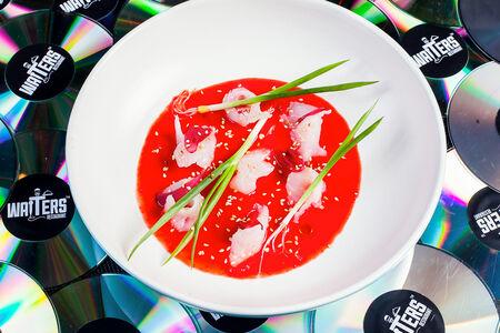Севиче из сибаса с розовыми томатами