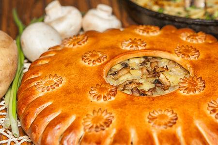 Пирог со свининой и рисом