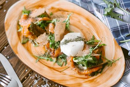 Салат с атлантическим лососем