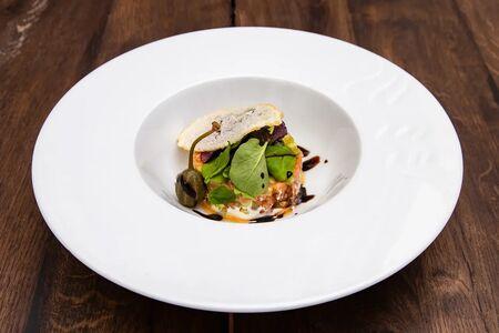 Тартар из лосося с сырным муссом