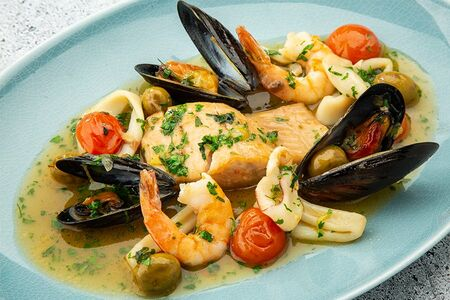 Форель с морепродуктами