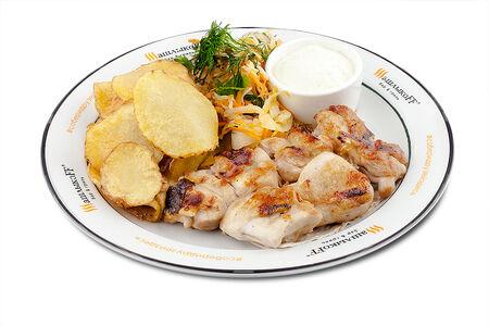 Шашлык из цыпленка Asia жареный картофель