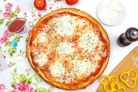 Пицца Моцарелла де люкс итальянская