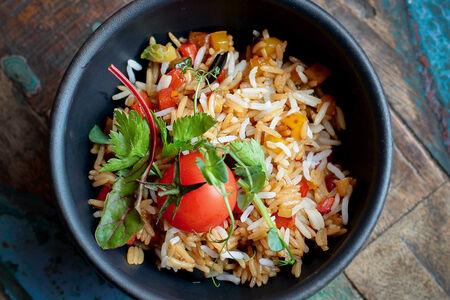 Рис Жасмин с овощами и кунжутом