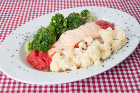 Сёмга запечённая с овощами