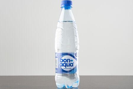 Вода  Бон Аква с газом