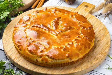 Пирог с курицей, картофелем и грибами
