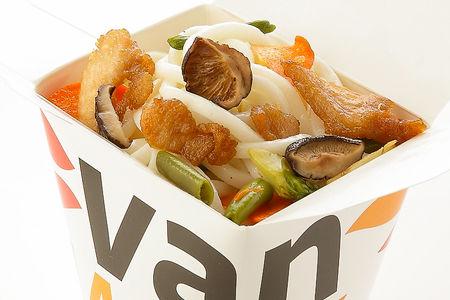 Вок японский удон с куриной грудкой и шиитаке в соусе