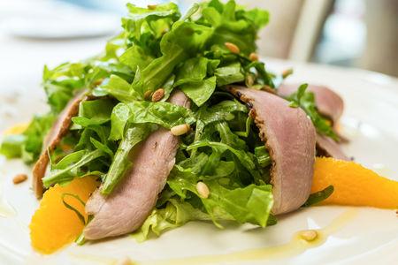 Салат с филе утки