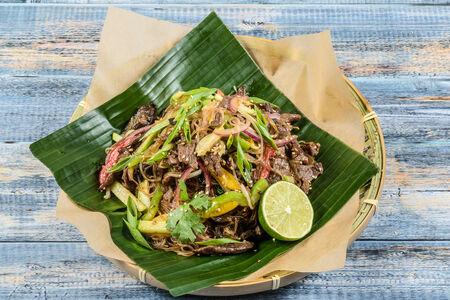 Лапша рисовая Мей Дзу с говядиной и ростками сои