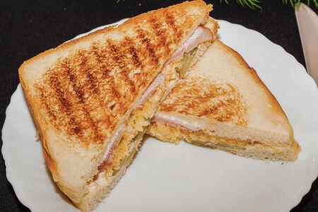 Сэндвич С беконом и огурцами