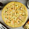 Фото к позиции меню Пицца с лососем и сливочным сыром