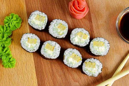 Ролл Томаго с сыром