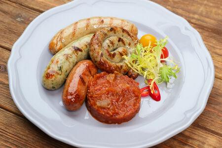 Ассорти баварских колбасок