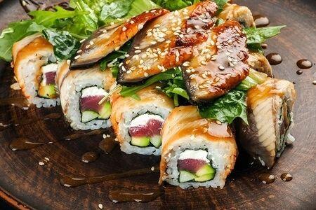 Ролл-салат с сашими из угря Блэк