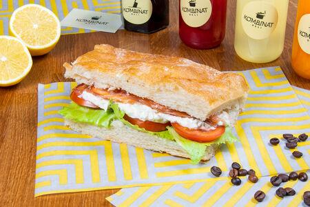 Сэндвич с семгой и крабом