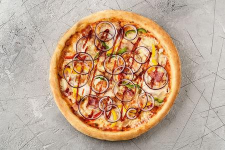 Пицца BBQ с курицей и беконом