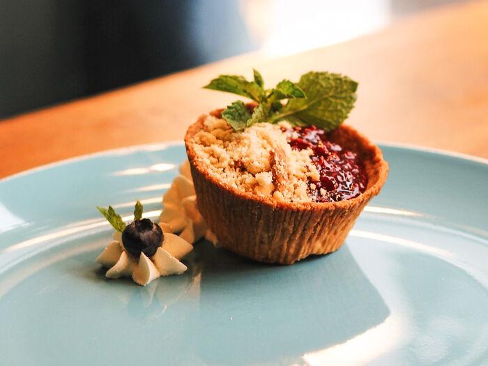 Пирожное Корзиночка с малиновым вареньем