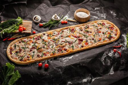Пицца метровая Чокнутый Бен