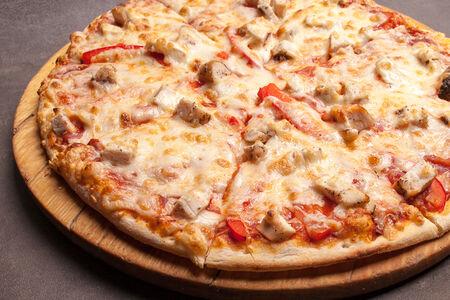 Пицца С куриным филе