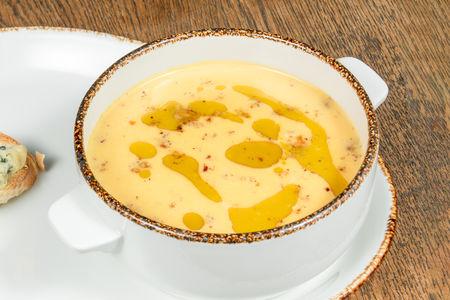 Крем-суп из тыквы с фундуком