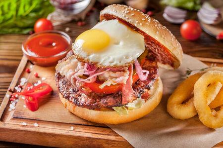 Бургер с плескавицей