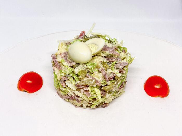 Салат Русский из языка с перепелиными яйцами