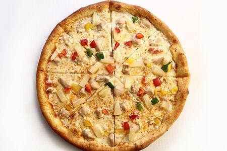 Пицца с курицей и соусом карри