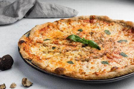 Пицца Маргарита с трюфелем