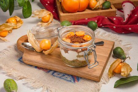 Десерт из маскарпоне с джемом из Фейхоа