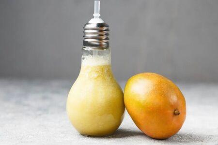 Смузи манго-ананас